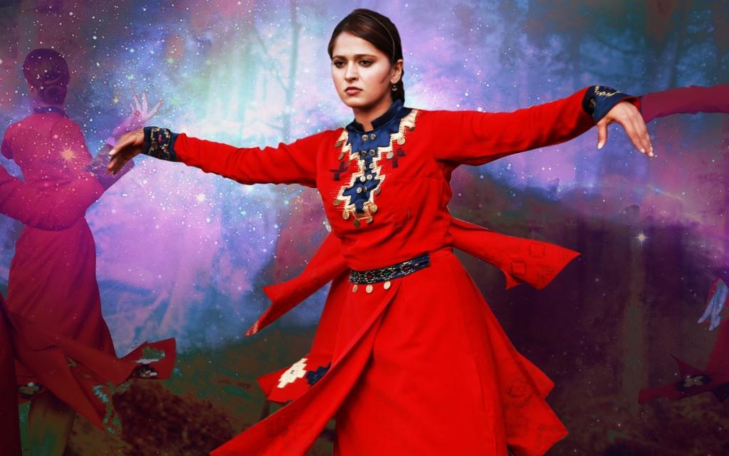 Anushka-photos-20-HD-wallpaper-Collections-Anushka-Shetty-red-dress-dancing-1024x640
