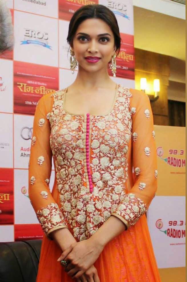 Deepika-padukone-images-Most-Beautiful-Ever-in-orange-chudi