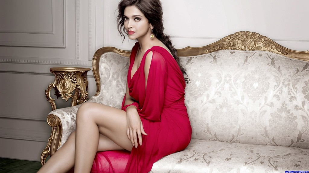 Deepika-padukone-images-Most-Beautiful-Ever-in-red-saree-1024x576