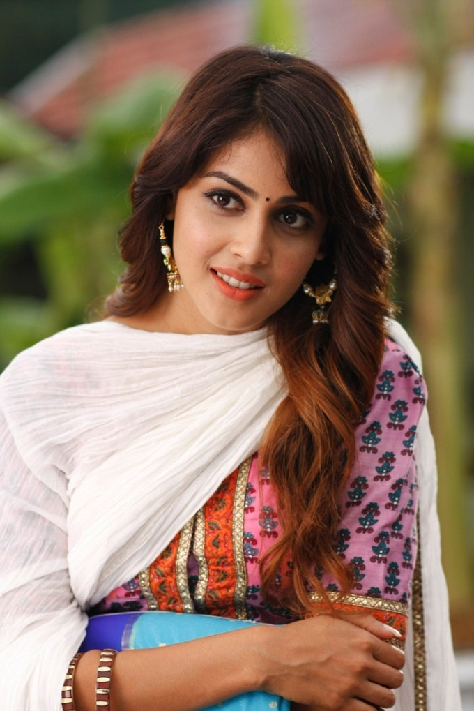 Genelia-d-souza-wallpapers-30-HD-Pics-beautiful