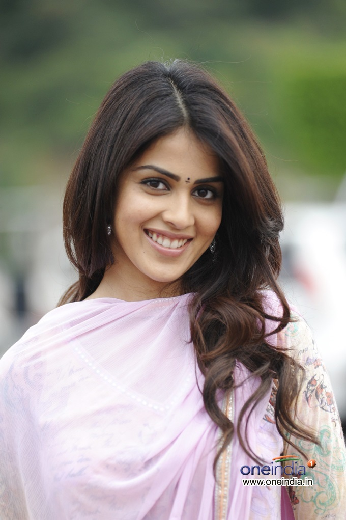 Genelia-d-souza-wallpapers-30-HD-Pics-genelia-d-souza_cute
