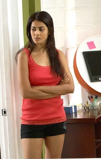 Genelia-d-souza-wallpapers-30-HD-Pics-in-red-dress