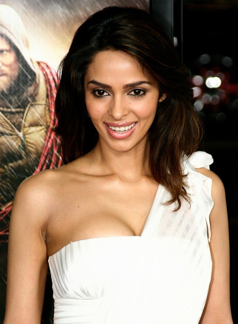 Mallika Sherawat Hot Wallpaper Collection-6653