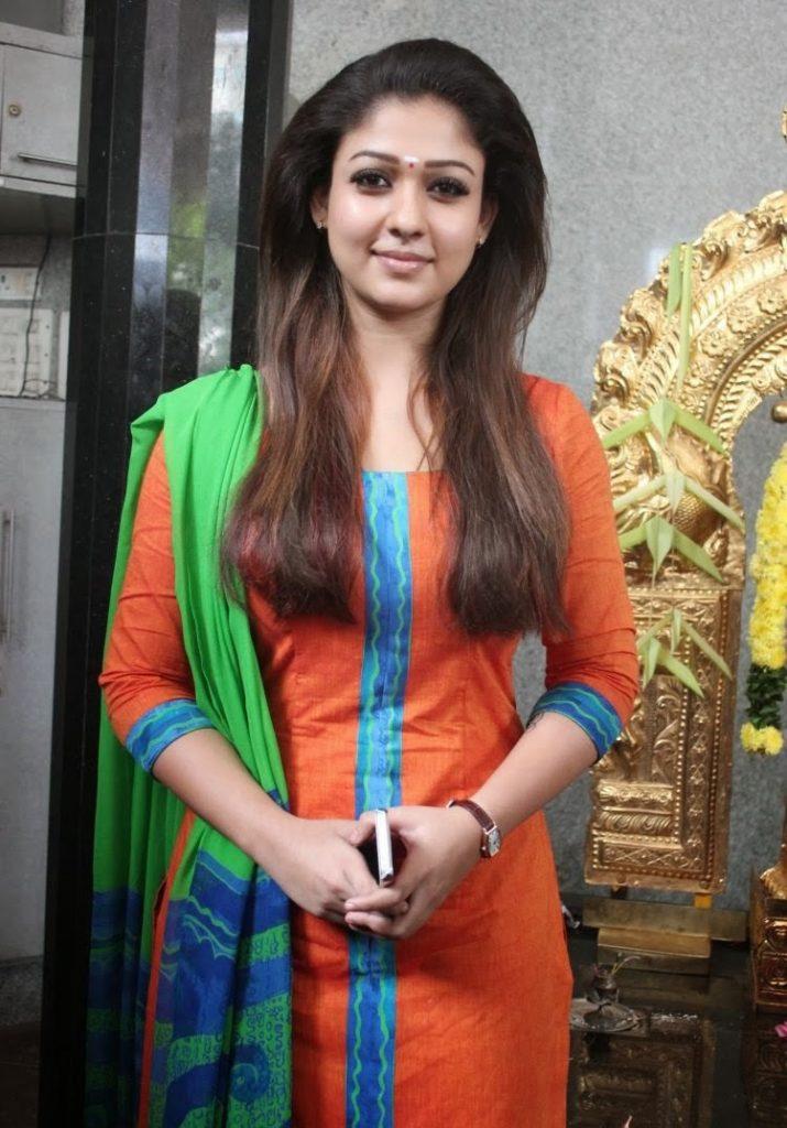 Nayanthara-HD-images-25-Cute-Pictures-Gopichand-Nayanthara-2013-New-Movie-Opening-Stills-715x1024