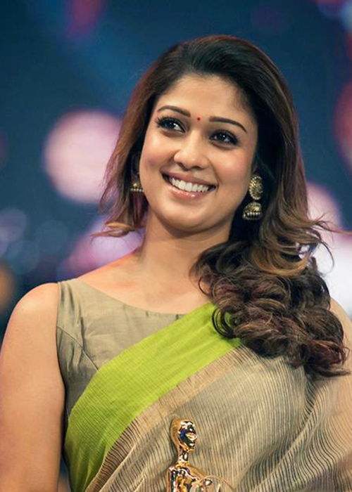 Nayanthara-photos-20-Most-Beautiful-Collections-Nayanthara-Latest-Stills-in-light-green-sarre