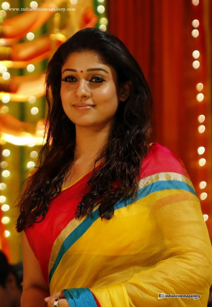 Nayanthara-photos-20-Most-Beautiful-Collections-Nayanthara-in-sarre-Anamika-movie-706x1024