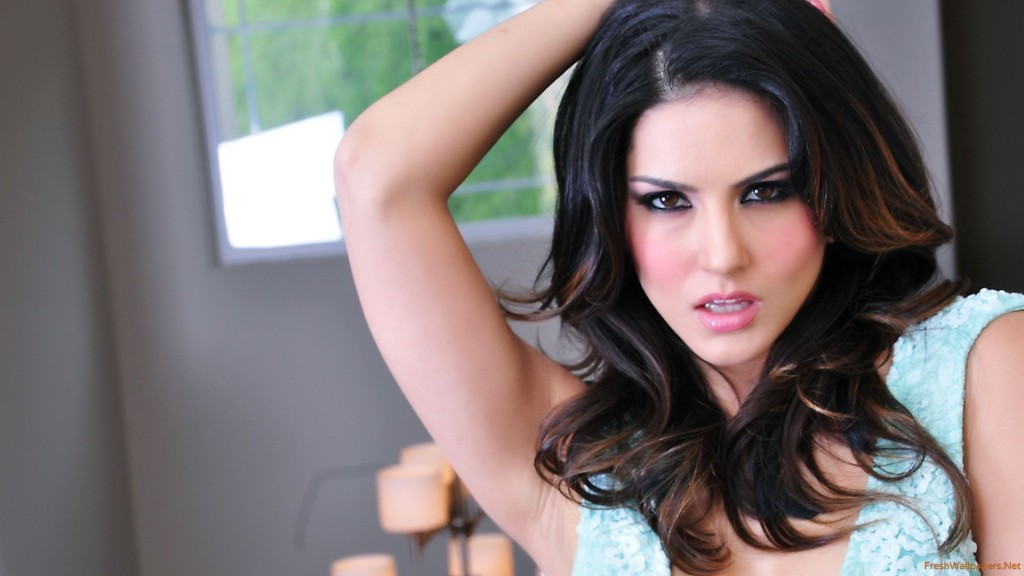 Sunny-leone-HD-wallpapers-cute-picture-1024x576