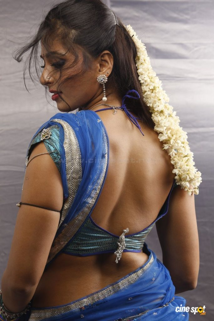 anushka-images-20-HD-Collections-anushka-in-Vaanam-hot-photos-683x1024