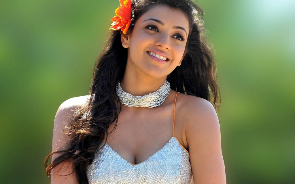 kajal-images-HD-Wallpaper-collection-kajal_Hot-2015-wide-1024x640