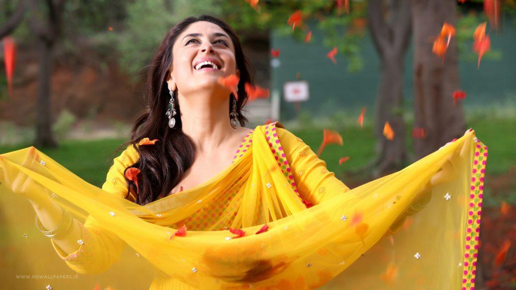 kareena-kapoor-wallpapers-20-Best-Wallpaper-Collection-cute-karrena-in-yellow-chudi-1024x576