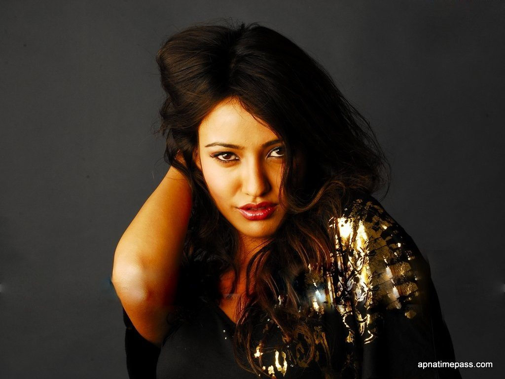 neha-sharma-hot-Wallpapers-HD-Collection-neha-sharma-wallpaper-gorgeous-1024x768