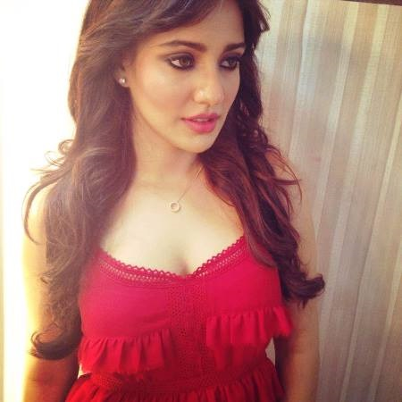 neha-sharma-hot-Wallpapers-HD-Collection-very-hot-in-red-dress