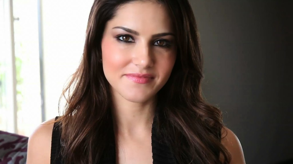 sunny-leone-hd-wallpapers-cute-face-1024x576