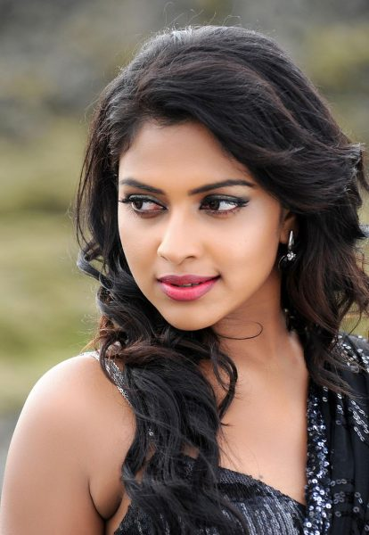 amala-paul-photos1-414x600