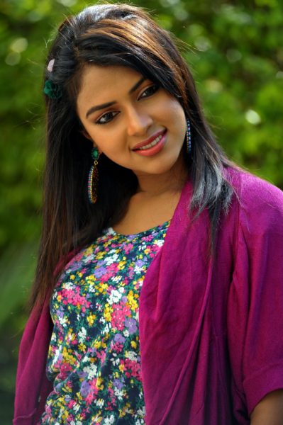 amala-paul-photos13-399x600