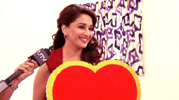 madhuri-dixit-photo17-600x338