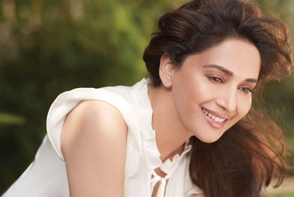 madhuri-dixit-photo7-600x403