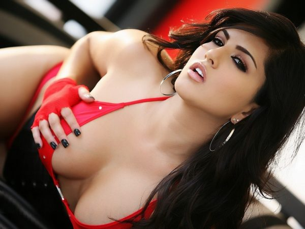 sunny-leone-wallpapers-hd10-600x450