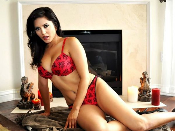 sunny-leone-wallpapers-hd5-600x450